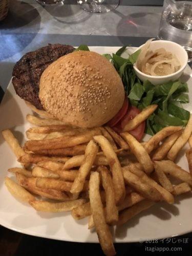 キアニーナ牛のハンバーガー
