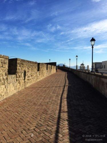 ナポリ サンテルモ城