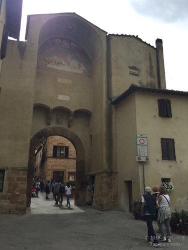 ピエンツァ 歴史地区への入り口
