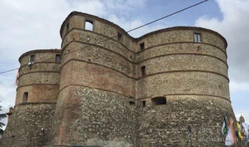 サッソコルヴァーロの要塞
