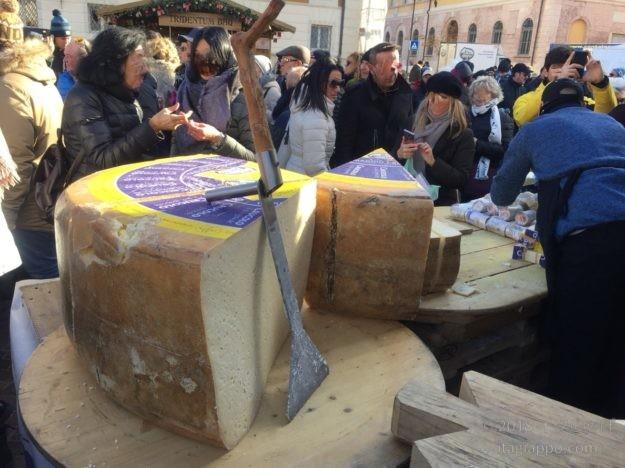 巨大チーズ