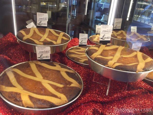 ナポリのパスクアのお菓子「パスティエラ」