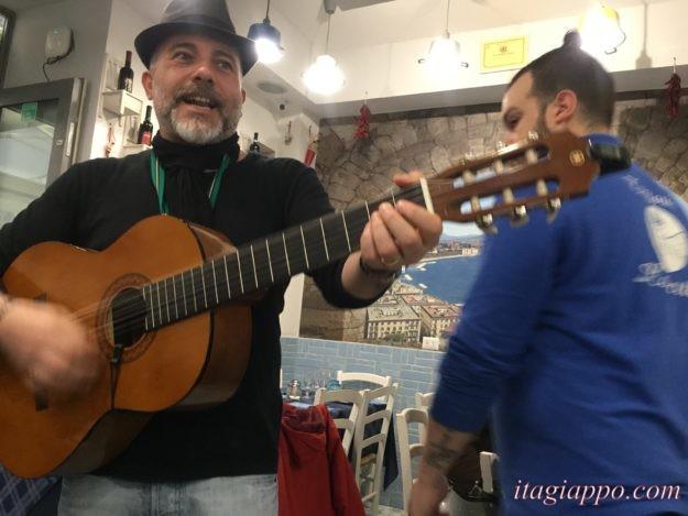 ギターの弾き語り