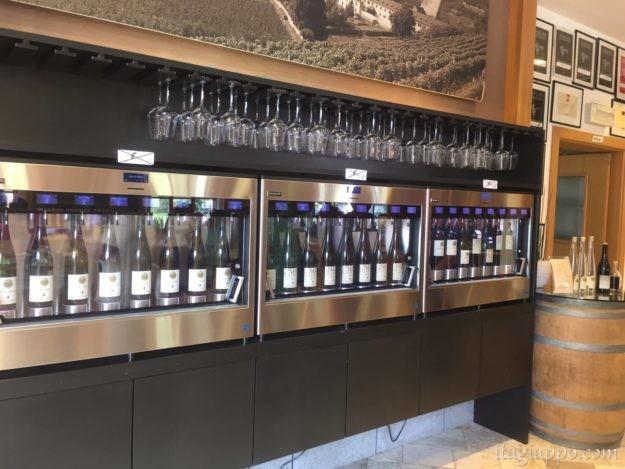 ノヴァチェッラ修道院のワイン試飲